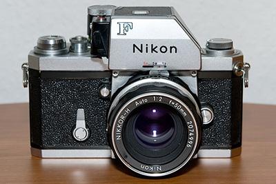 Nikon F mit Nikkor-H Auto 1:2 f=50mm